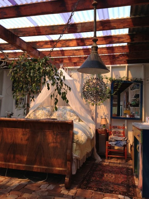 gardenopenwindowroom