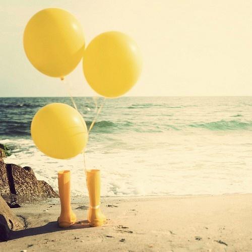 balloons sand